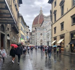 Street leading to Church of Santa Maria del Fiore (Medium)